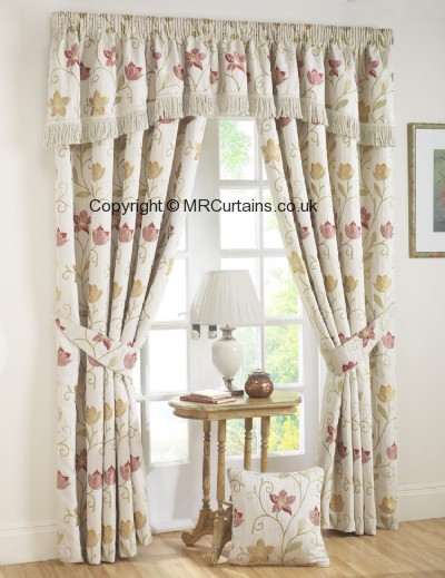 Canterbury (Pencil Pleat) ready made curtain